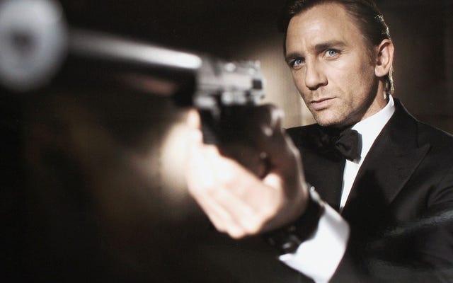 Casino Royale ha riavviato in modo elettrizzante James Bond per l'era cupa e cruda