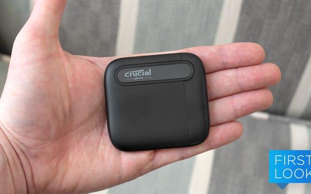 Tôi không thể quấn bộ não của mình xung quanh ổ SSD nhỏ bé này chứa 4TB dữ liệu trong lòng bàn tay của tôi
