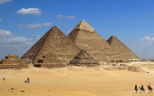 Mereka menemukan bahwa orang Mesir kuno salah dalam membangun Piramida Giza dan strukturnya bengkok