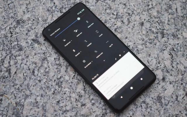 Cách mở khóa Chủ đề bóng tối ẩn giấu của Google trên Pixel 2