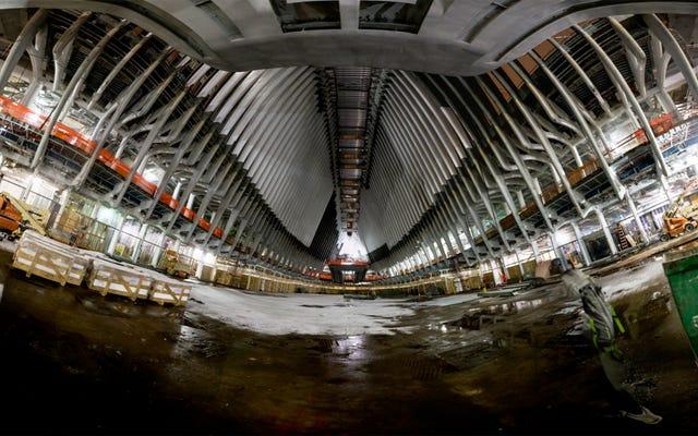 誰かがニューヨークの40億ドルの駅に忍び込み、これらの写真を撮りました