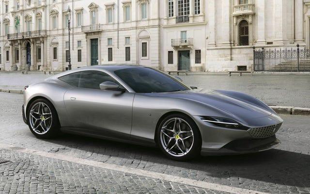 強力なV8エンジンを搭載した新しいフェラーリローマは、ジェームズボンドの映画のようなもののように見えます
