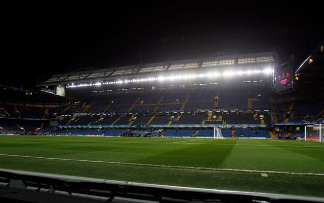 イギリスの警察はサッカーでの性的虐待の何百もの主張を調査しています