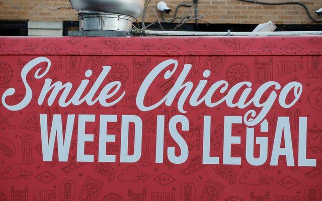 Las ventas del primer día de cannabis legal superan los $ 3,2 millones en Illinois