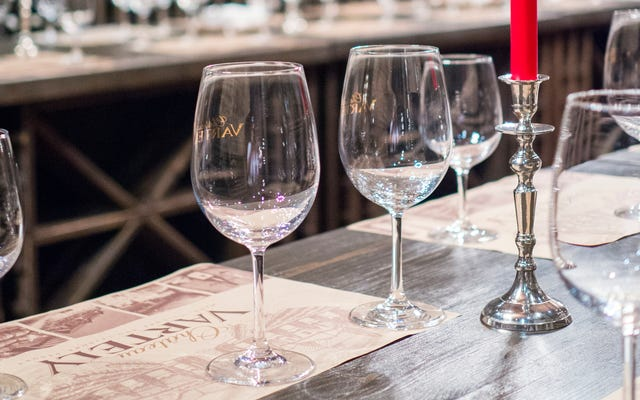 酔っている理由:ワイングラスは以前の7倍の大きさです