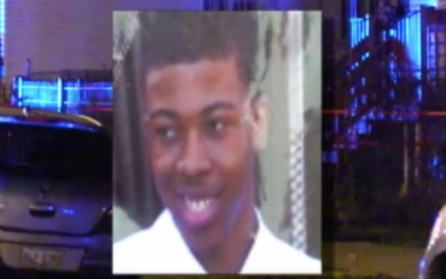 シカゴ市は、黒人のティーンの家族を訴えたいと考えています。