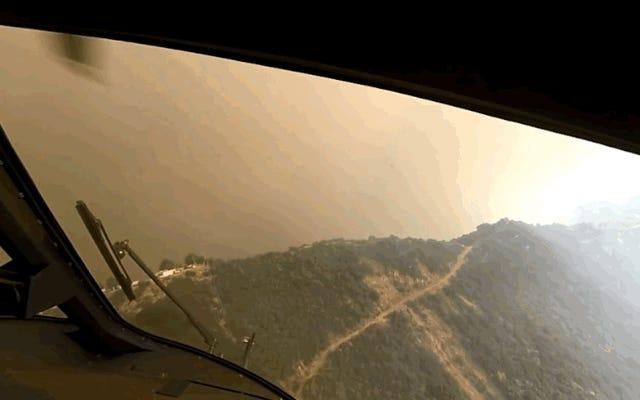 風、煙、熱、酸素不足:これはヘリコプターの救助が火の中心でどれほど危険であるかです