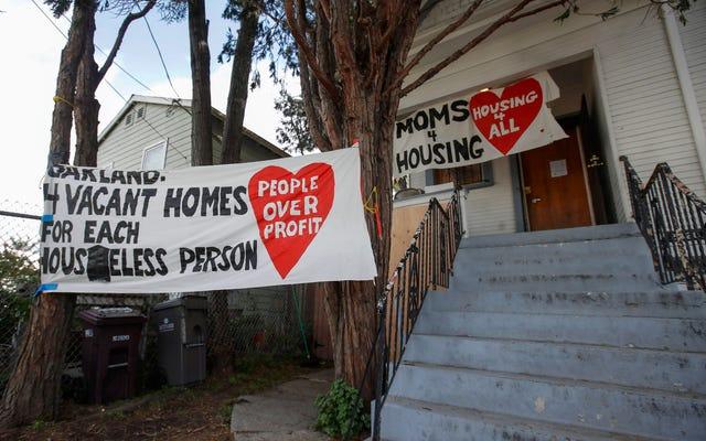 グループが安全で手ごろな価格のシェルターに対する「基本的権利」を求めて戦い続ける中、検察官はママ4住宅に対する告訴を取り下げる