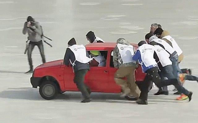 ロシア人がクラプカンでカーリングしているのはあなたが実際に見たいと思うカーリングです