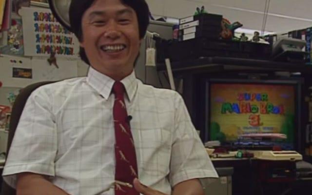1994 Nintendo Belgeseli Bize Miyamoto'nun Masasına Bir Bakış Verdi
