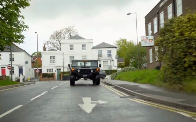 はい、あなたは技術的に英国でハマーH1を運転することができます