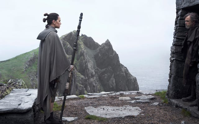 Personel io9 rozmawia o Ostatnim Jedi, ponieważ są tak samo podzieleni jak wszyscy inni