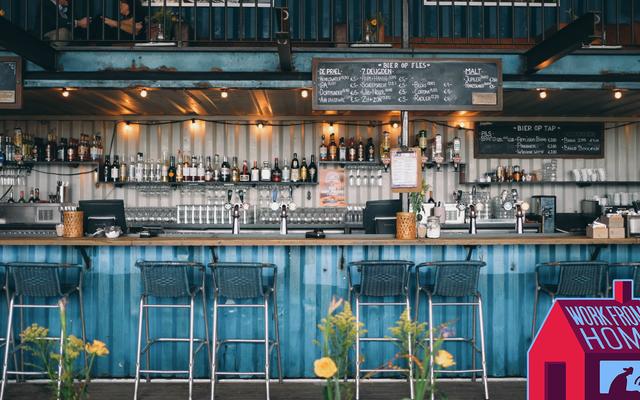 Pourquoi je travaille dans des bars plutôt que dans des cafés