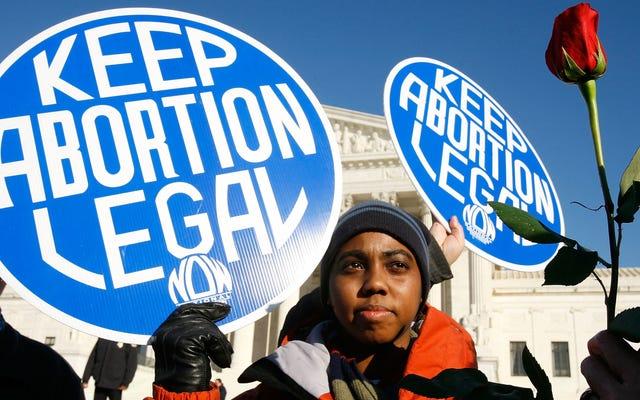Los legisladores de Tennessee aprobaron una prohibición del aborto mientras sus electores dormían