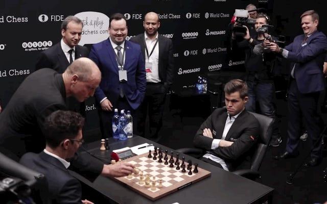 वुडी हैरेलसन ने विश्व शतरंज चैम्पियनशिप समारोह में भाग लिया, सब कुछ खराब कर दिया
