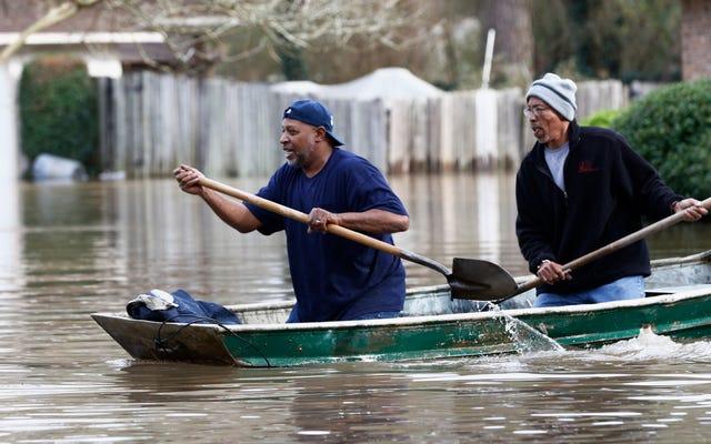 น้ำท่วมได้ทำลายล้างมิสซิสซิปปีและฝนกำลังจะตกอีก