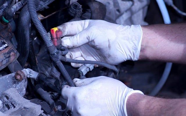 自動車整備士に、はぎ取られないようにするための問題を示すように依頼します