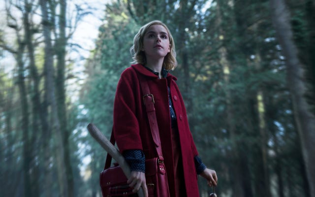 Ecco i nostri primi sguardi a Mulan, Sabrina di Netflix e il film di Sherlock Holmes di Will Ferrell