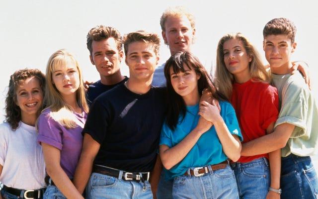Beverly Hills asli, 90210 kru bersatu kembali untuk kebangkitan meta di Fox