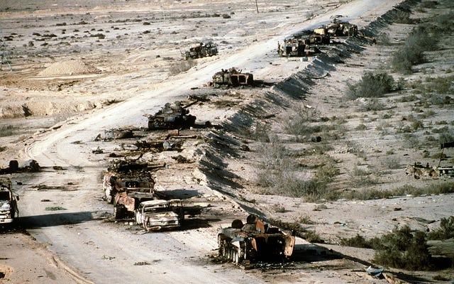 Bien que cela ressemble à un scénario Mad Max, ce qui s'est passé sur Death Highway était réel et bien pire