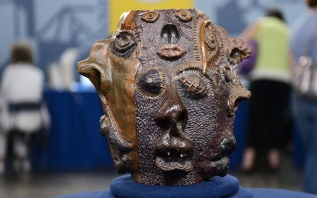 Antiques Roadshow valora erróneamente una extraña jarra de arcilla hecha por un estudiante de secundaria en $ 50,000