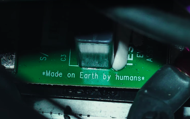 Илон Маск попросил одного из создателей Westworld снять видео о запуске Falcon Heavy.