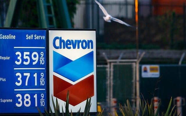 Benzin Talebi Zirve Yapmak Üzere: Rapor
