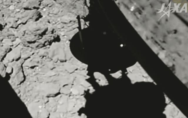 Un nuovo video mostra il momento critico Hayabusa2 ha sparato un proiettile nell'asteroide Ryugu