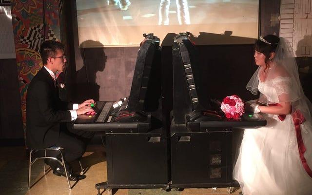 Setelah Menikah Di Sebuah Arcade, Pertarungan Pertama Pasangan Ini Adalah Tekken 6