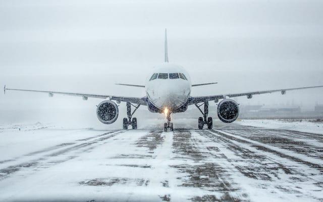 केवल कुछ उड़ानें क्यों खराब मौसम के लिए रद्द हो जाती हैं