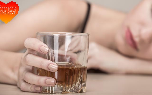 Chiedi al Dr. NerdLove: Aiuto, la mia ragazza è alcolizzata