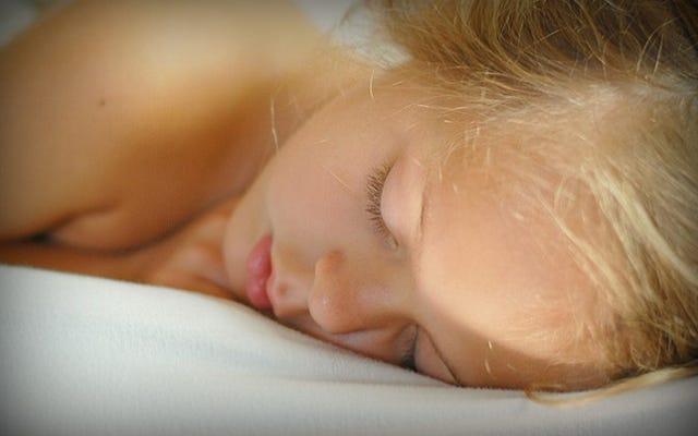 専門家によると、各年齢層の理想的な睡眠量