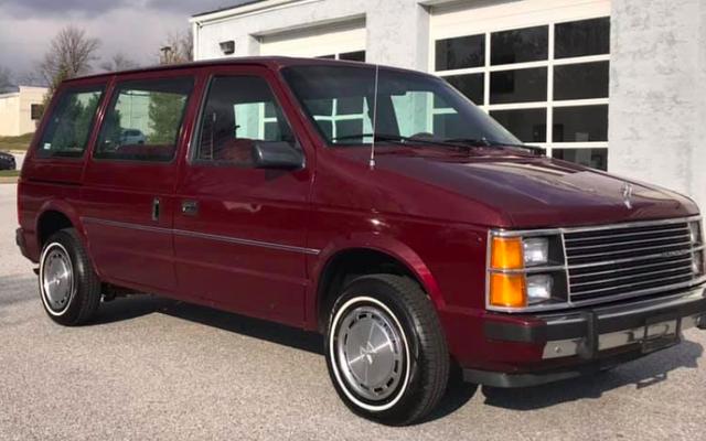 Chiếc xe tải nhỏ Chrysler thế hệ thứ nhất trị giá 3.500 USD này có hộp số tay và cả trái tim của tôi