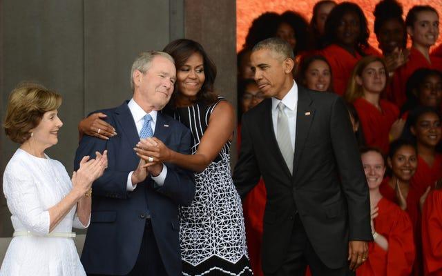 ジョージ・W・ブッシュは私たち全員と同じように、ミシェル・オバマとも必死に友達になりたいと思っています