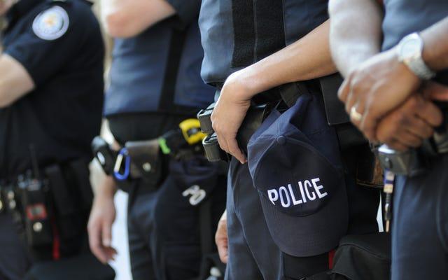 Cuando una manzana en mal estado echa a perder un barril nuevo: un nuevo estudio revela los peligros de contratar policías previamente despedidos