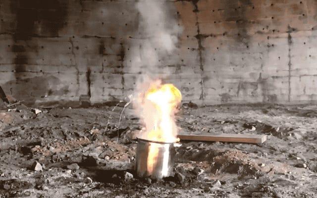 誰かが火砕き器をガソリンの入ったバケツに投げ込もうとしたので、あなたはそうする必要はありません