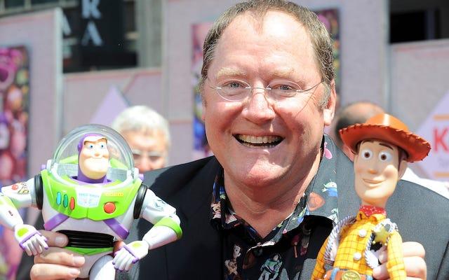トイストーリーディレクターでディズニーのパイオニアであるジョン・ラセターは、性的嫌がらせの申し立てを受けて会社を辞めました