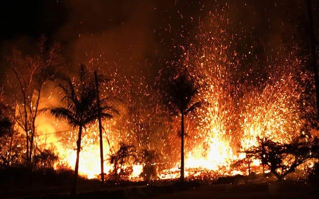 少なくとも10の火山の割れ目がハワイの山の近くに開かれました。キラウエア、21戸の家屋を破壊[更新]