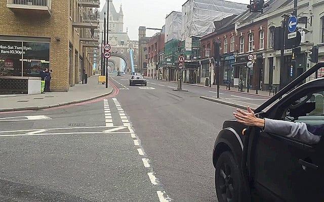 これがロンドンのトップギアのケンブロックドリフトアパルーザの初期の様子です