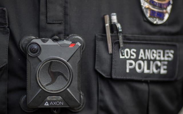 カリフォルニア州法は、警察のボディカムでの顔認識を公式に禁止しています