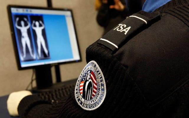 Un agent de la TSA au Minnesota arrache les tresses d'une femme autochtone et dit `` Giddyup ''