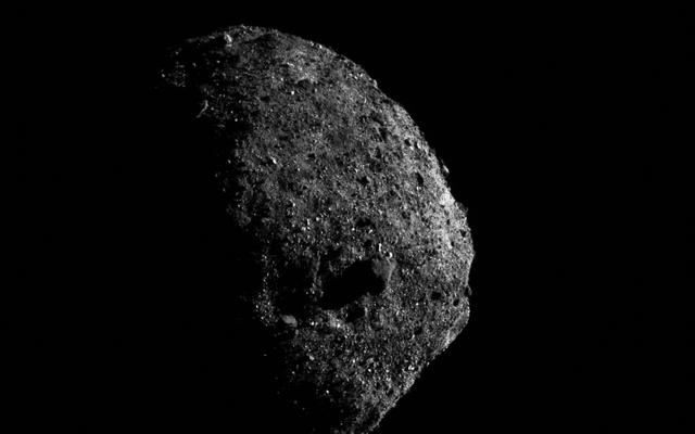 Le ultime foto scattate all'asteroide Bennu sono semplicemente irreali