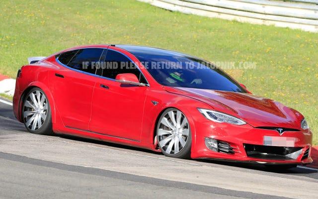 Voici ce qui est arrivé à l'ambitieuse première tentative de record de Tesla au Nürburgring