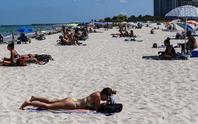 फ्लोरिडा ने समुद्र तटों के आसपास ढीले सीरिंजों को छोड़कर टीकाकरण बढ़ाने का प्रयास किया