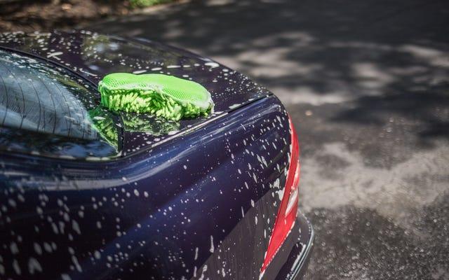 真新しい車の塗料を保護するための最良の方法は何ですか?