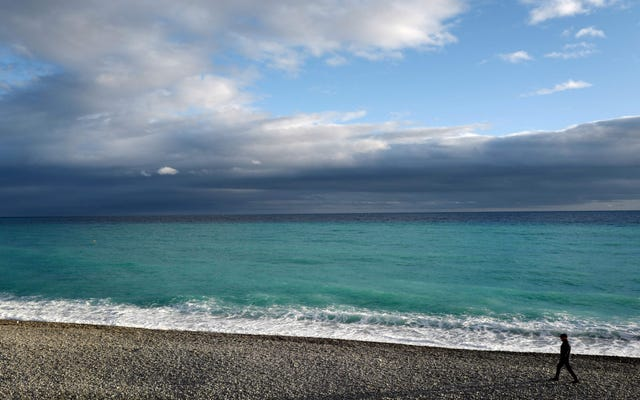 未チェックの気候変動は、2050年までに世界の砂浜の半分を消去する可能性があります