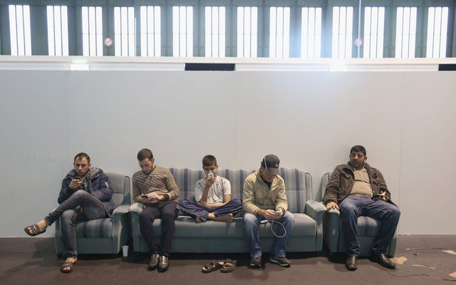 Hay más refugiados sirios en este aeropuerto de Berlín que en los EE. UU.
