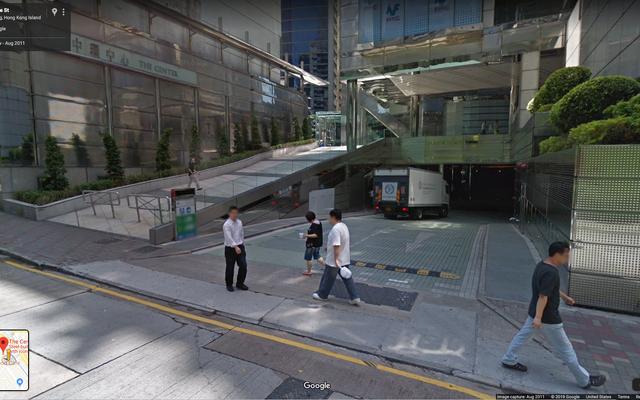 Ce garage a une place de stationnement de 970000 $, apparemment