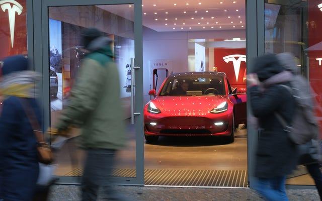 Tesla debe dejar de engañar a los alemanes con 'piloto automático': Tribunal