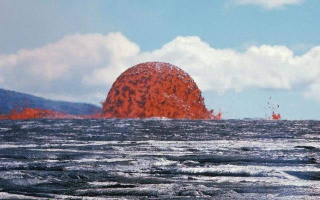 溶岩を吐き出す1、774日:ハワイを5年間抑制した火山の壮大な画像